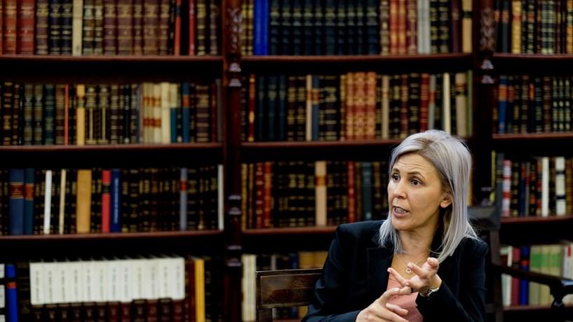 """Elina Fraga: """"Deputados devem suspender inscrição na Ordem durante mandato"""""""