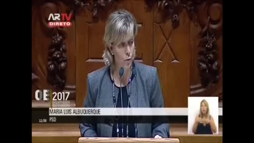 Maria Luís: Governo troca