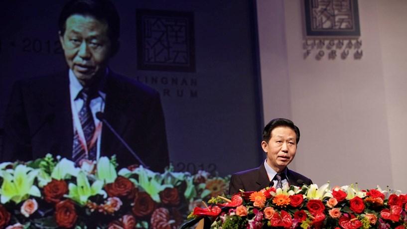 China substitui ministro das Finanças