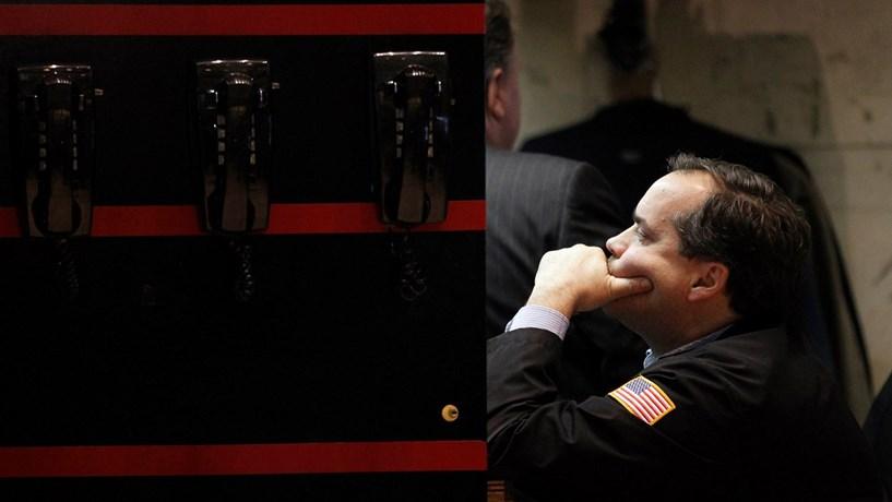 Wall Street cai pelo terceiro dia