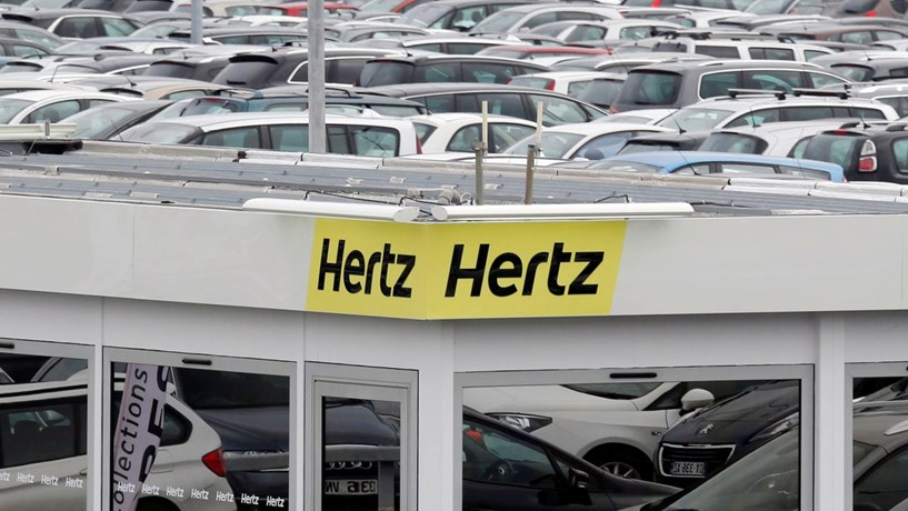 Hertz afunda 50% após travagem brusca das estimativas