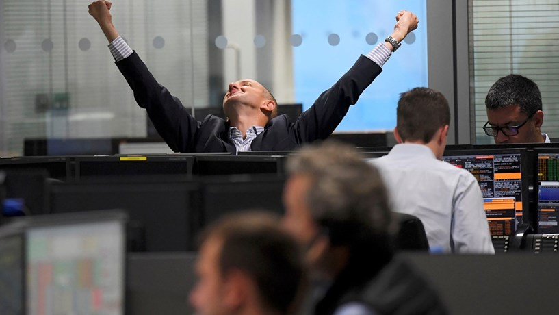 Bolsas europeias em alta com banca a liderar ganhos