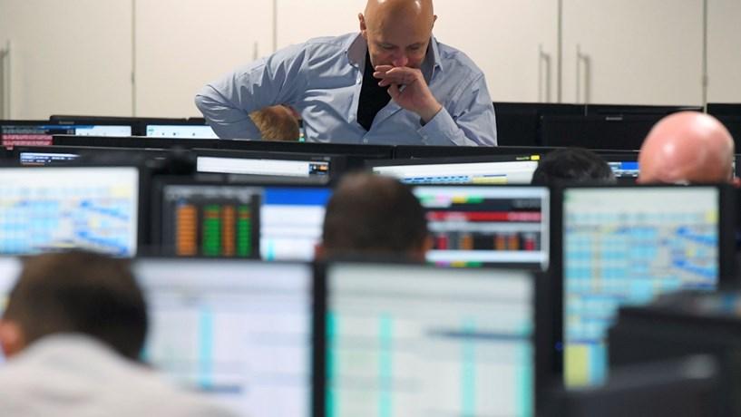 Abertura dos mercados: Juros aliviam, bolsas sobem e petróleo avança
