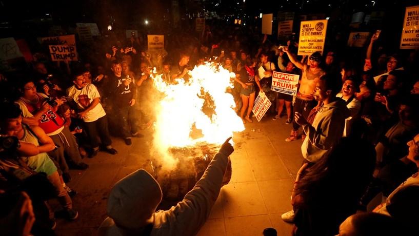 Manifestações em várias cidades dos EUA