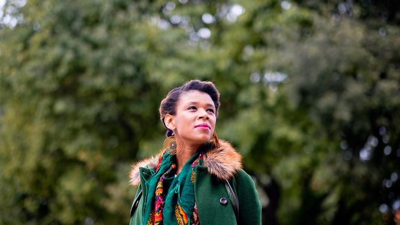 """Carmen  Souza: """"Nós, como músicos, acreditamos naquilo que não vemos"""""""