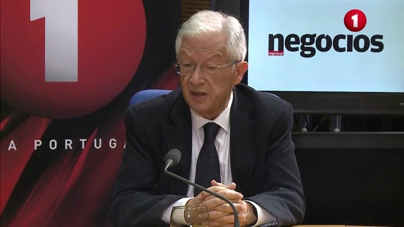 """Augusto Mateus: Renegociar a dívida? """"Voltamos aos bodes expiatórios"""""""