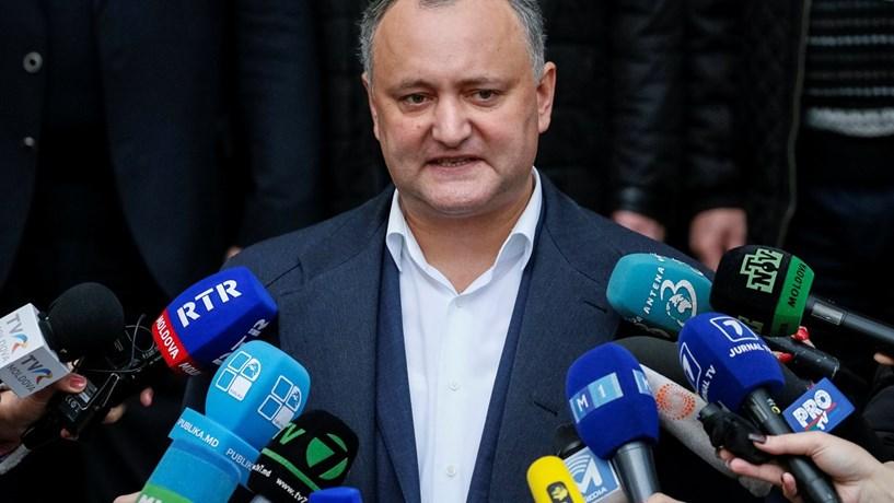 Candidato pró-russo lidera presidenciais na Moldávia