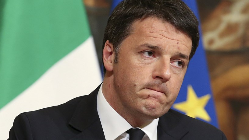 """Italianos decidem entre """"novo mundo"""" e o """"fim do mundo"""""""