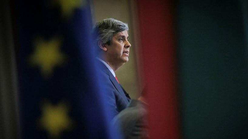 Mário Centeno adia plano para a Caixa sem ok de Bruxelas