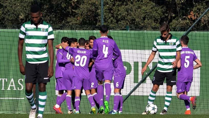 Sporting fora da Champions e Porto adia apuramento