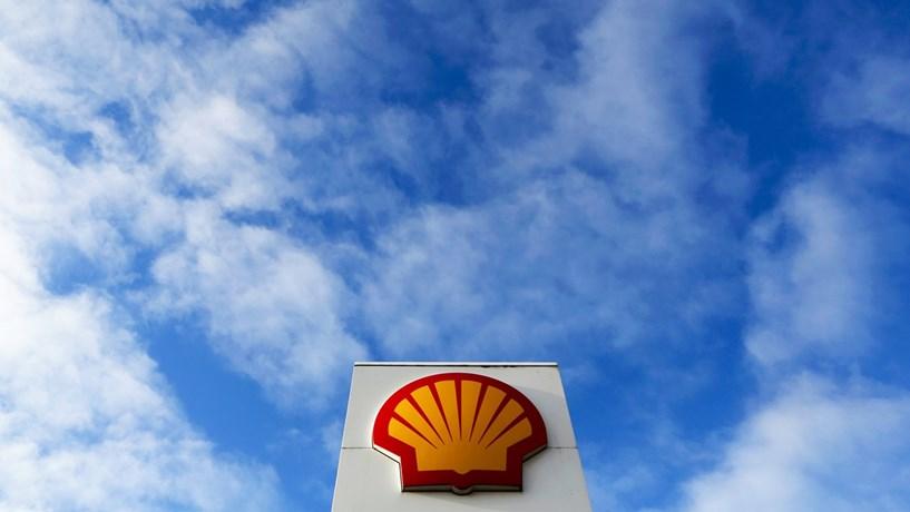 Lucros da Shell falham estimativas dos analistas