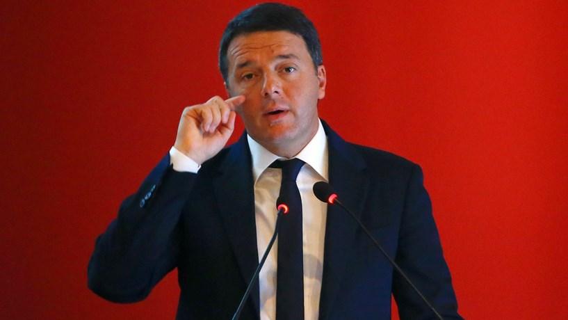 Alerta vermelho em Itália antes do referendo