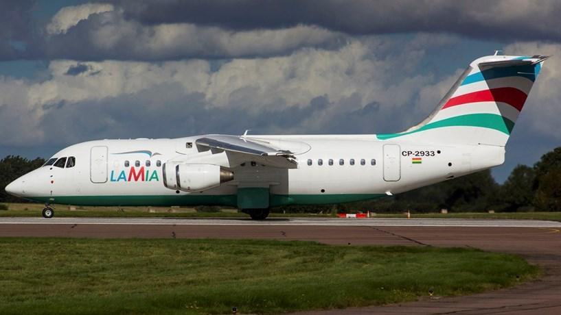 76 mortos e cinco sobreviventes em queda de avião que transportava equipa brasileira