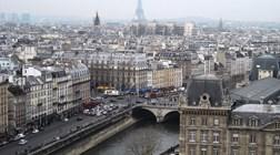 Paris: Cidade luz ilumina-se para receber o Natal
