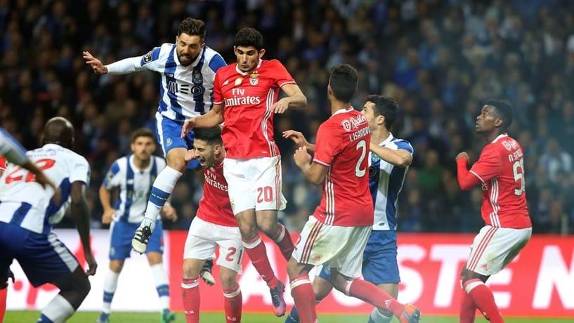 Porto em alta e Benfica em queda após passagem aos oitavos da Liga dos Campeões