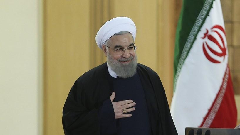 """Trump avisa Irão de que """"está a brincar com o fogo"""". Teerão diz não ter medo"""
