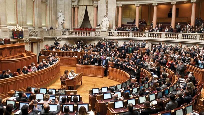 Subvenções dos partidos voltam ao Parlamento