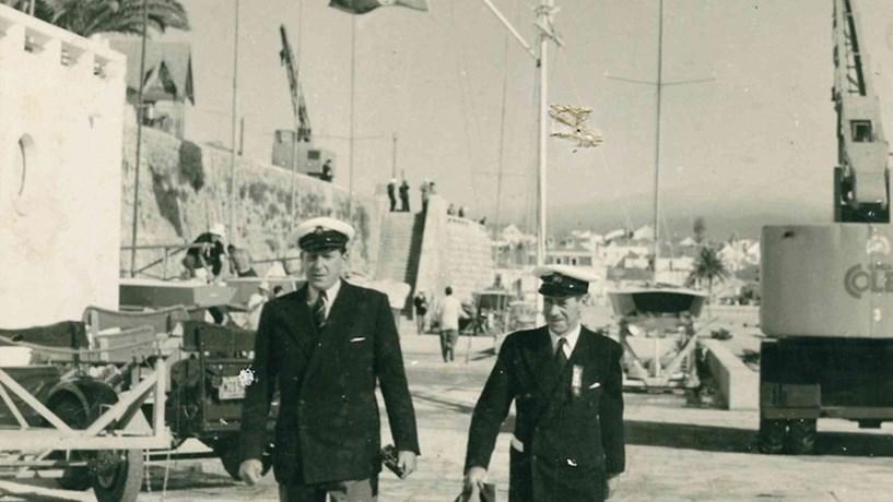 O conde de Barcelona, avô do rei Felipe VI de Espanha, que viveu exilado em Cascais no tempo do franquismo. A fotografia foi tirada em 1948 no Clube Naval de Cascais.