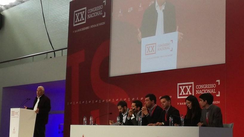 António Costa: Redução do desemprego jovem é positiva mas insuficiente