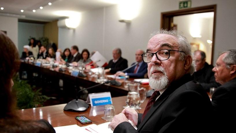 Governo promete subsídio de desemprego mínimo de 421,3 euros