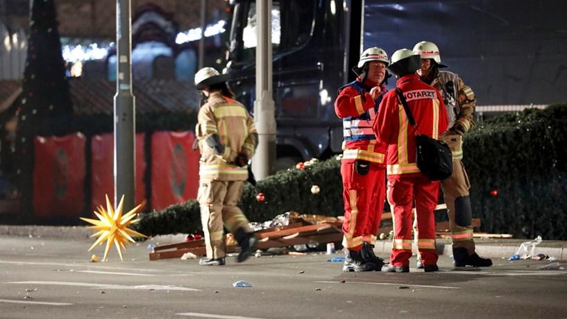 """Putin confessa-se """"chocado"""" com a """"brutalidade e cinismo"""" do ataque em Berlim"""