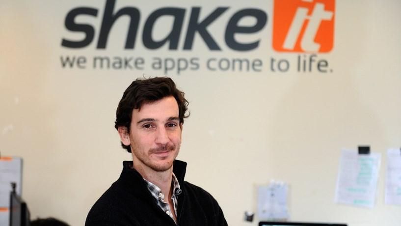 Shake It liga congressistas em rede