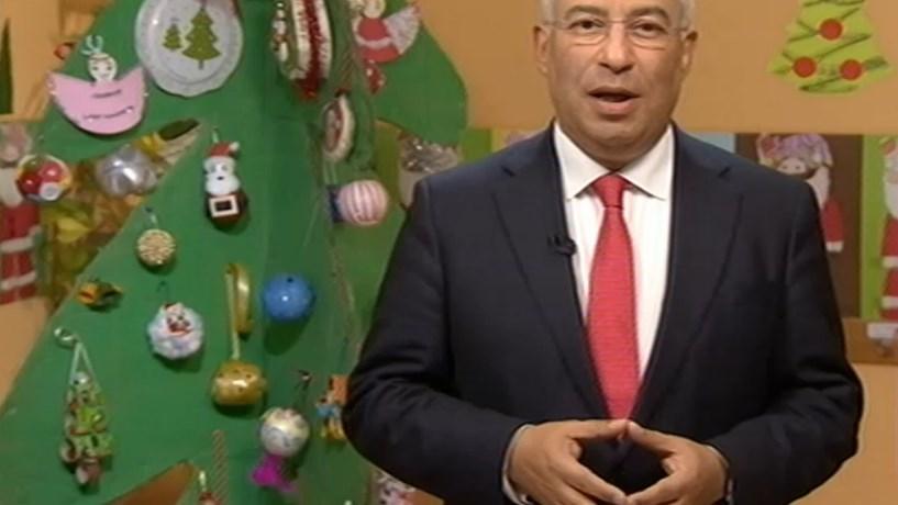 """Financial Times: Costa """"supera expectativas"""" no primeiro ano como primeiro-ministro"""