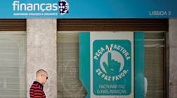 Autoridade Tributária alerta para emails falsos a cobrar dívidas