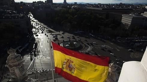 Economia espanhola cresce 0,8% e aproxima-se de níveis pré-crise