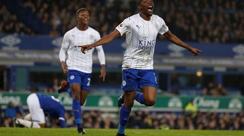 Ranieri despedido do Leicester, nove meses depois de ser campeão