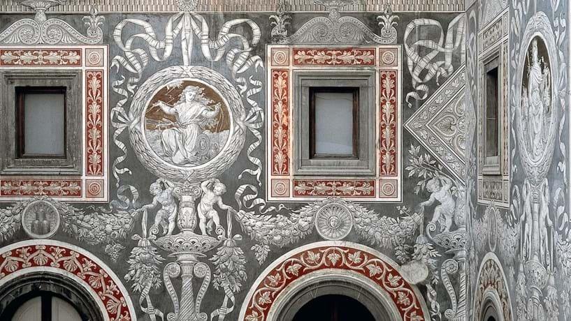 O interior do Palazzo Salimbeni, onde fica a sede do banco, está repleto de obras de arte