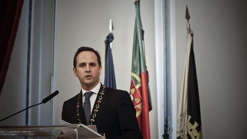 """Medina diz que apreciação do PCP sobre Carris é """"só um debate"""""""