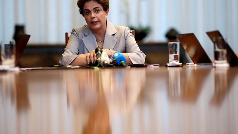 Dilma diz em Lisboa que sofreu golpe parlamentar com ingredientes misóginos