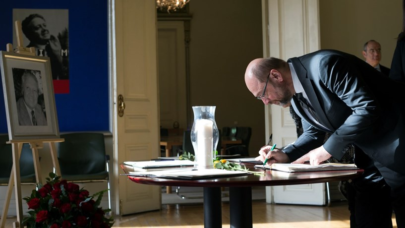 Schulz considera antigo chefe de Estado uma figura emblemática da democracia