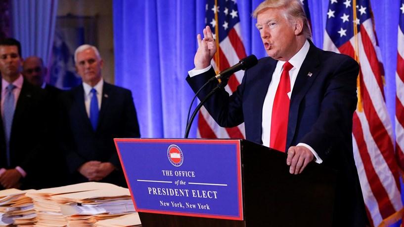 Wall Street recupera e ultrapassa efeito Trump