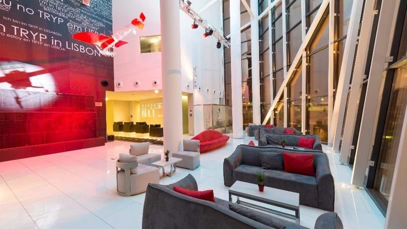 Meliá recupera hotel na Costa da Caparica
