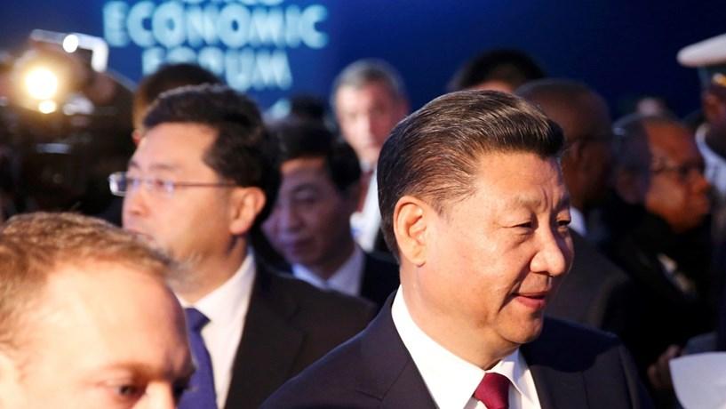 """Presidente chinês promete milhares de milhões de euros para """"Novas Rotas da Seda"""""""