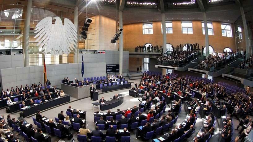 Eleições alemãs agendadas para 24 de Setembro