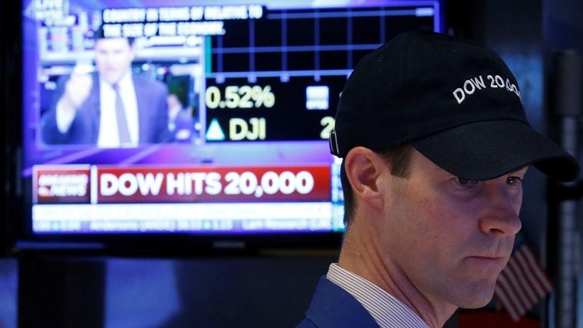 Dow Jones e Nasdaq atingem novos máximos históricos
