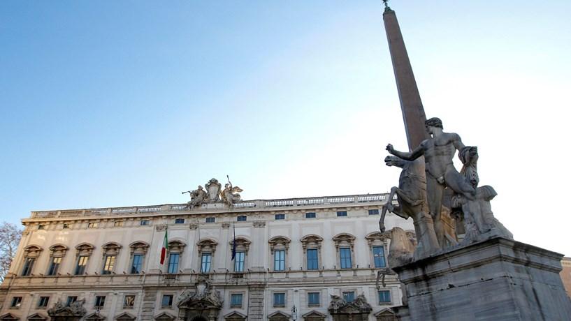 Constitucional italiano valida meia lei eleitoral e abre a porta a eleições