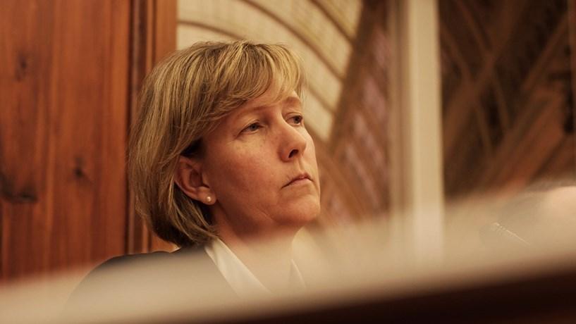 """Maria Luís Albuquerque: Decisão de não publicar as estatísticas das offshores """"foi errada"""""""