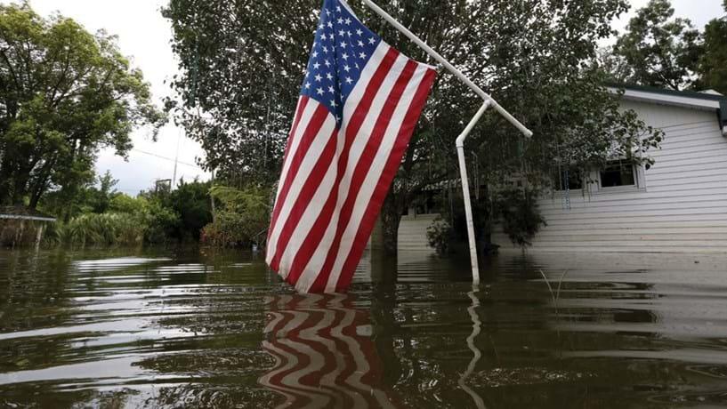 Os EUA já estão a sofrer as consequência do aquecimento global. Na Flórida, estão a ser feitos investimentos em infra-estruturas para conter a subida das águas.
