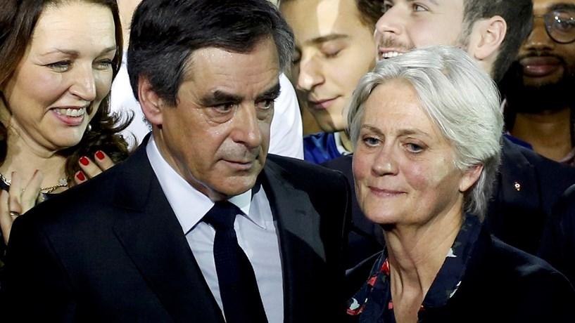 Caso Fillon: Investigadores fazem buscas no Parlamento francês