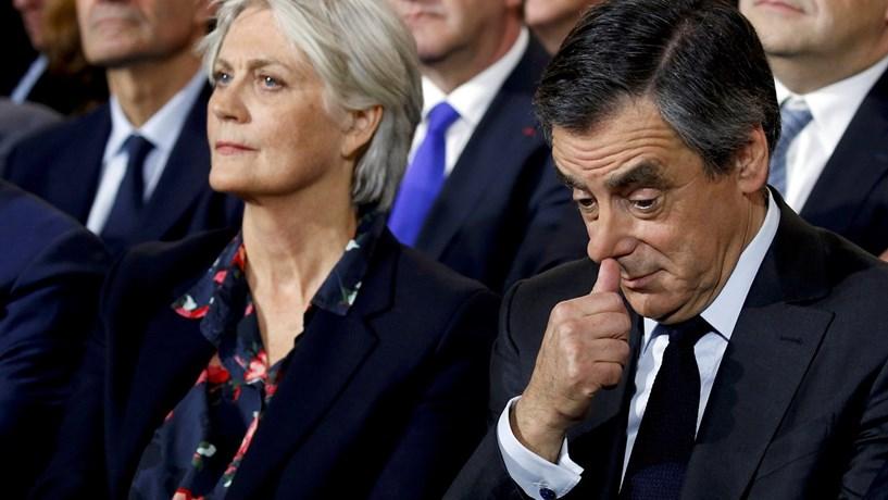 França: Fillon e a mulher estão a ser ouvidos pela justiça