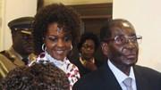 Mugabe deve poder concorrer à presidência mesmo depois de morto, defende mulher