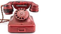 Telefone vermelho de Adolf Hitler vendido em leilão por 239 mil euros