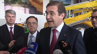 """Passos Coelho diz que estratégia económica do Governo revelou-se""""desacertada"""""""