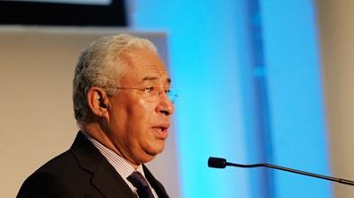 Costa afirma que país paga agora factura pesada por ter adiado soluções para a banca