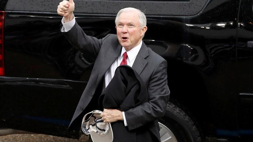 Jeff Sessions recomendado como procurador-geral dos EUA