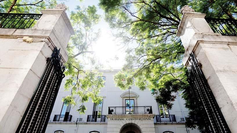 Constitucional aperta cerca aos recursos para Tribunal sem suspensão da coima